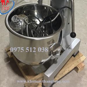 Cối trộn máy đánh kem trứng 15 lít được làm từ inox dày không bị vỡ hay gỉ